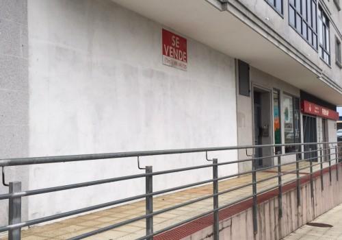 Venta de local comercial de 72 m2 en Rua Tranvia de Porriño.