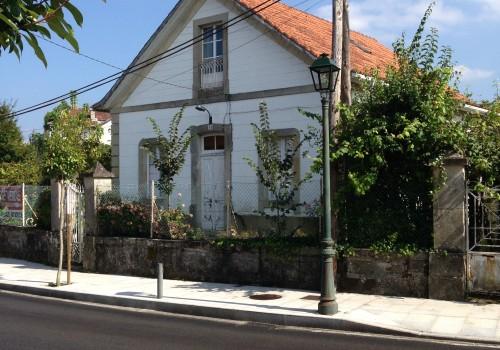 Venta de parcela de 1100 m2 con casa en Mondariz Balneario