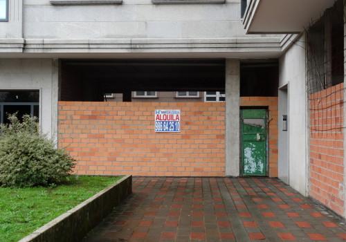 Venta de local comercial de 75 m2 en Rua  Orotava- Ponteareas